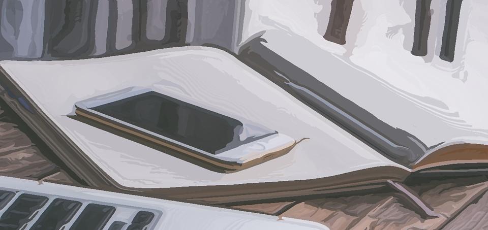 Блокнот, смартфон и ноутбук